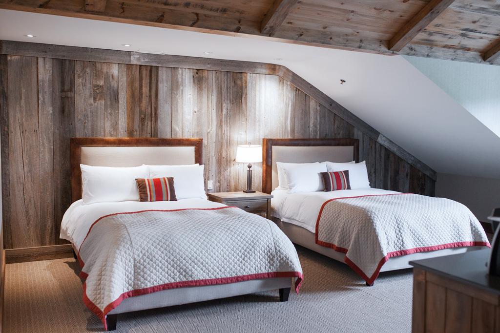 Signature Rooms At Hotel Manoir Saint Sauveur
