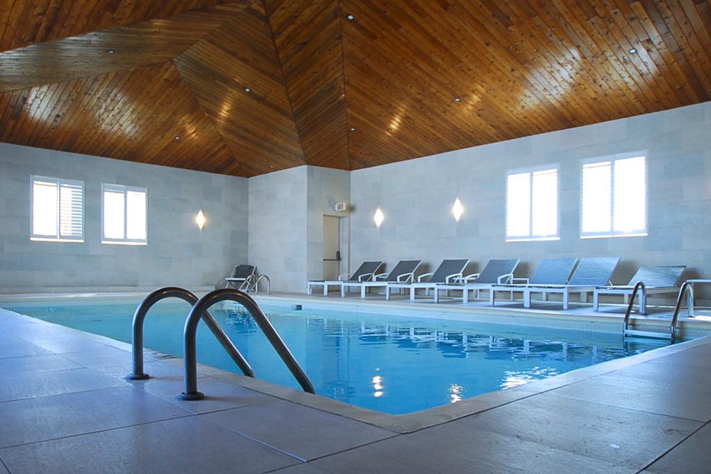 Spa et piscine intérieure